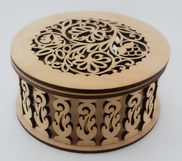 Cutie bijuterii din lemn cu model 0