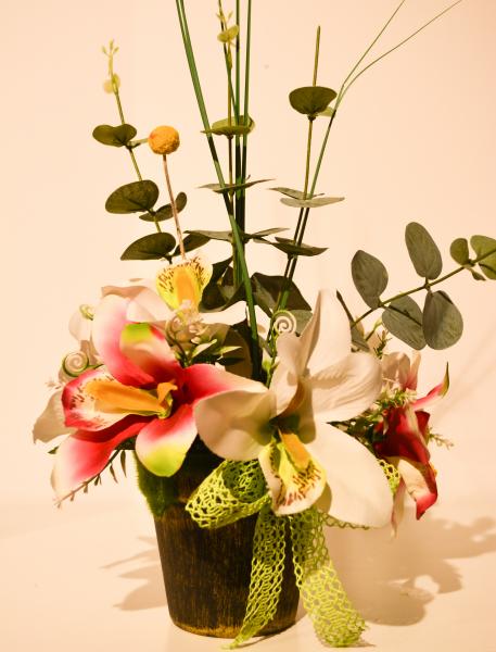 Aranjament floral crini in ghiveci 0