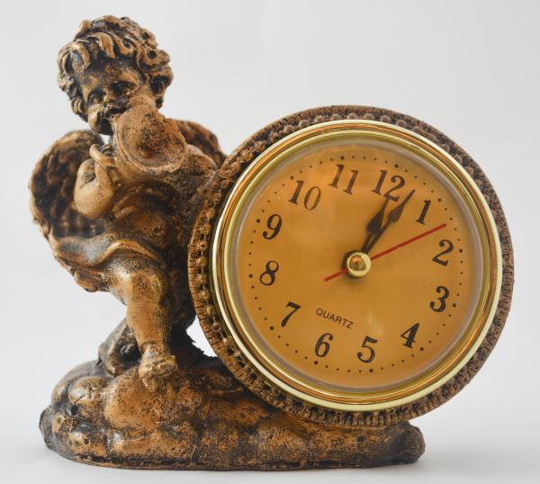 Ceas de masa realizata din rasina – Design Inger #2 0