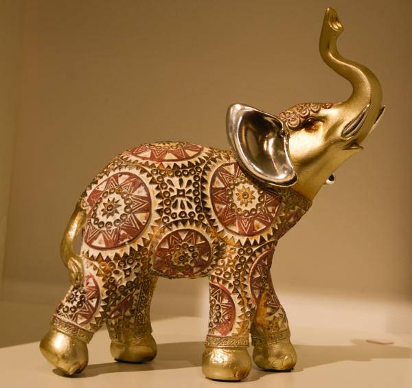 Figurina realizata din rasina in forma de elefant #2 0