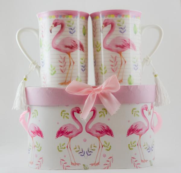 Set 2 cani realizate din ceramica in cutie cadou – Design cu flamingo 0