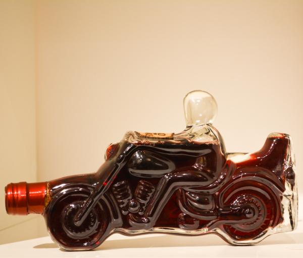 Sticlă de vin în formă de motociclist 0