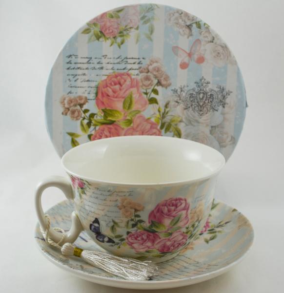Ceasca cu farfurie realizata din ceramica – Design cu trandafiri 0