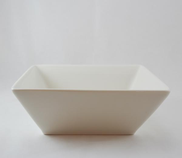 Bol pentru servire realizat din ceramica 0