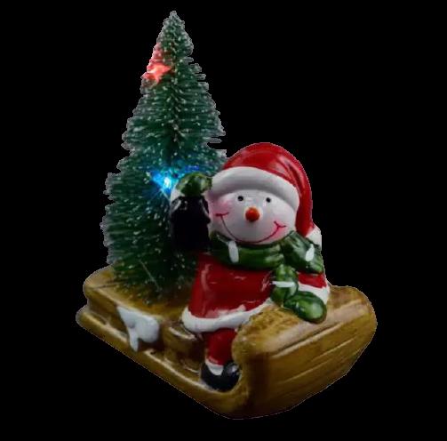 Decoratiune realizata din ceramica pentru Craciun cu lumini led – Om de zapada cu brad pe saniuta 1