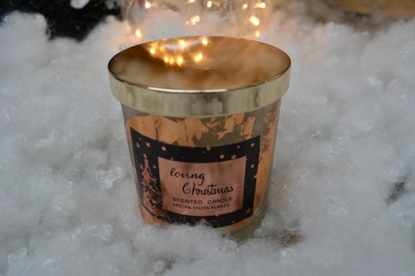 Lumanare parfumata in pahar de sticla cu aroma de scortisoara - Design Craciun 1