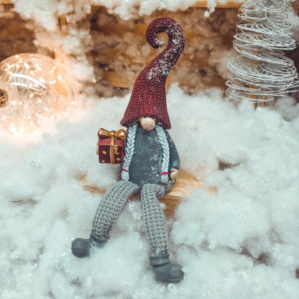 Figurina decorativa realizata din ceramica cu picioare din material textil – Spiridus 0