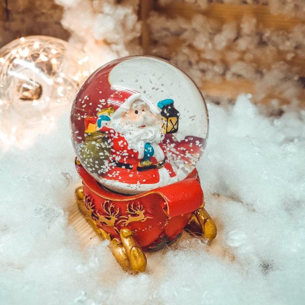 Glob cu zapada - Design Mos Craciun pe sanie - 4 cm 0