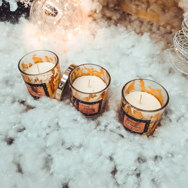 Lumanare parfumata in pahar de sticla cu aroma de scortisoara - Design Craciun 0