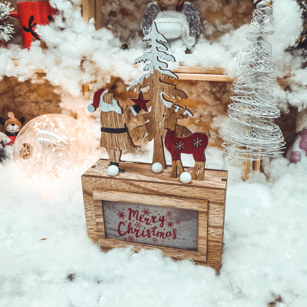 Ornament cu led realizat din lemn - Mos Craciun cu ren 0