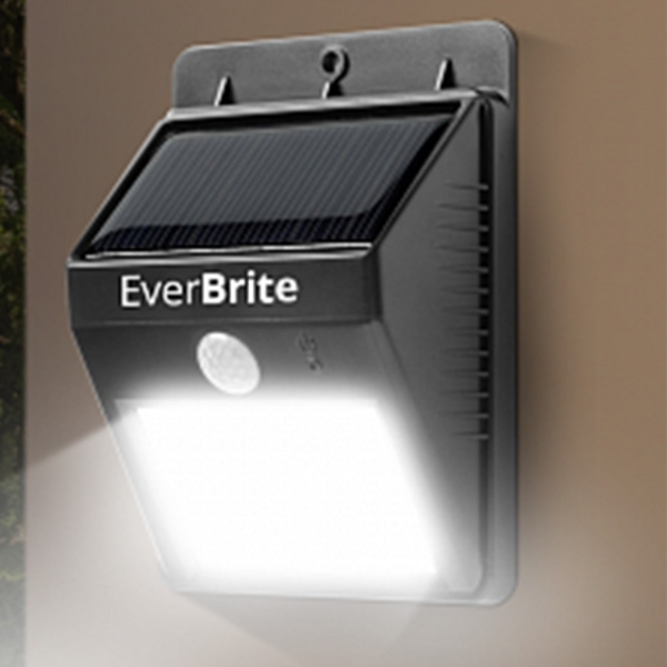 Lampa Pentru Exterior Cu Incarcare Solara Si Senzor Ever Brite 2