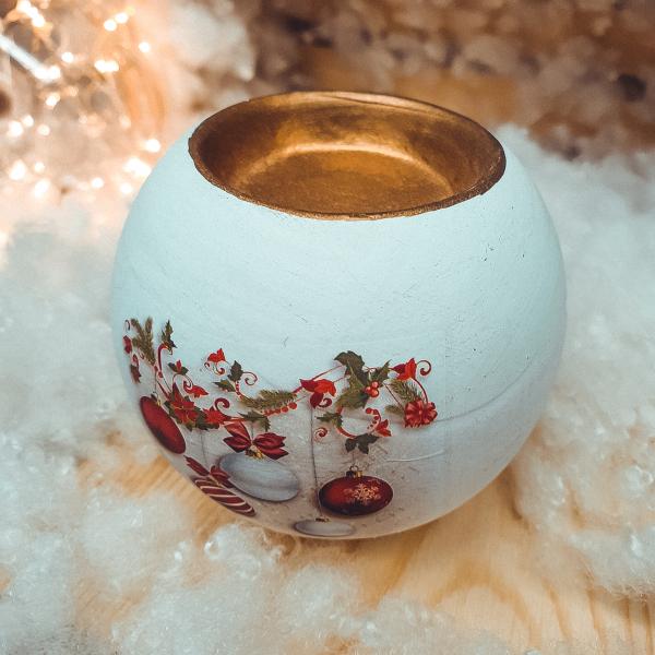 Suport in forma de glob pentru lumanare realizat din ceramica – Design cu glob si ghirlanda 0