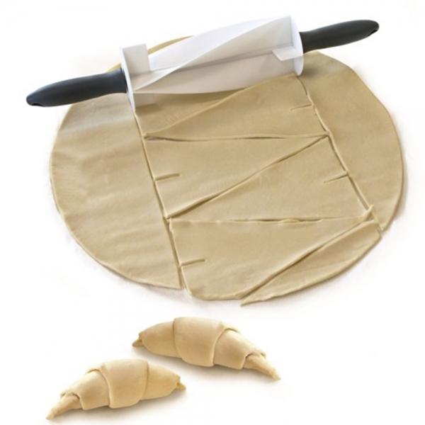 Rola pentru taiat aluat croissant 1