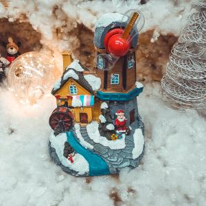 Decoratiune cu led pentru sarbatorile de iarna realizata din rasina
