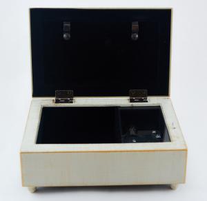 Cutie muzicala realizata din lemn pentru depozitarea bijuteriilor – Design vintage #22