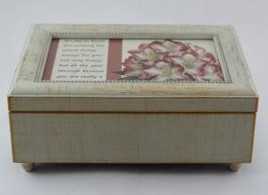 Cutie muzicala realizata din lemn pentru depozitarea bijuteriilor – Design vintage #20