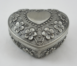 Caseta bijuterii in forma de inima din antimoniu #30