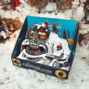 Decoratiune cu led pentru sarbatorile de iarna realizata din rasina – Casuta cu zapada. brad si Mos Craciun0