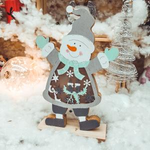 Decoratiune pentru masa cu led realizata din lemn in forma de om de zapada – Design cu lumanare si fulgi de nea0