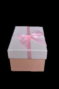 Cutie pentru cadouri roz cu fundita0