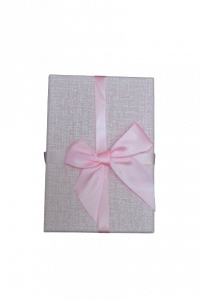 Cutie pentru cadouri roz cu fundita1