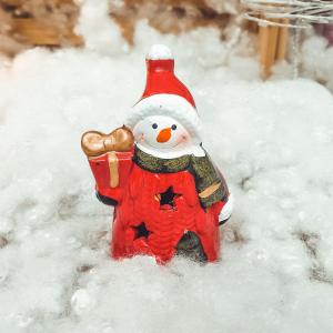 Figurina decorativa cu led realizata din ceramica in forma de om de zapada0