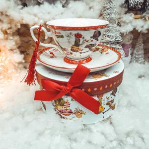 Set cana de craciun cu farfurie realizata din ceramica in cutie cadou – Design om de zapada0