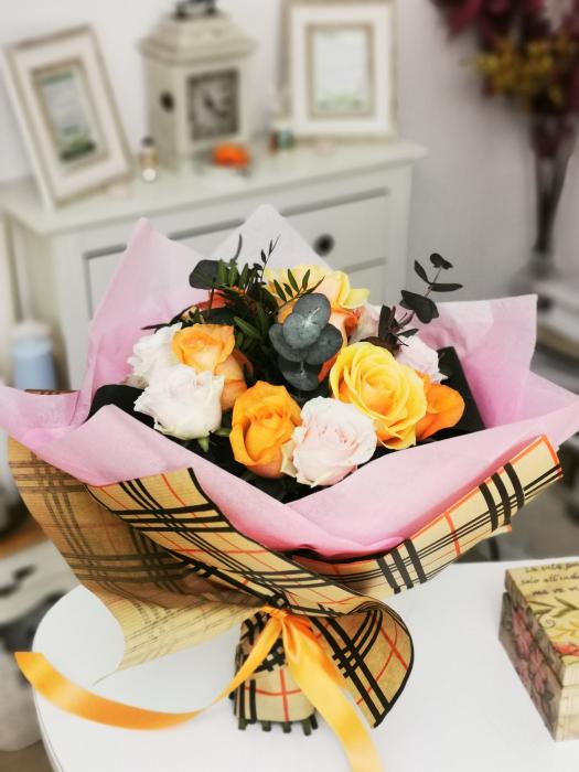 Buchet trandafiri multicolori [1]