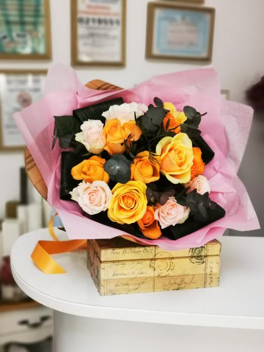 Buchet trandafiri multicolori [0]