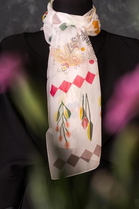 Eșarfă muselină din mătase naturală Minunat by Irina, motiv Flori, 140 x 44 cm 2