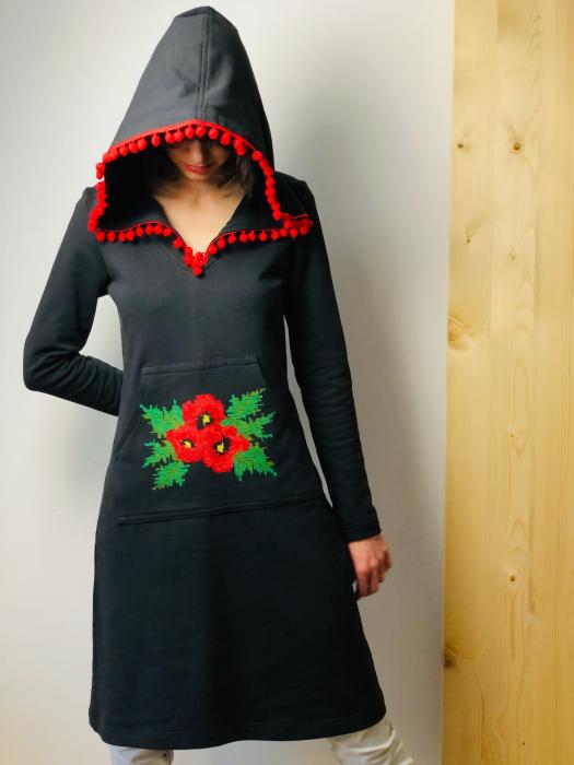 Gabriela Atanasiu - Rochie cu glugă 1