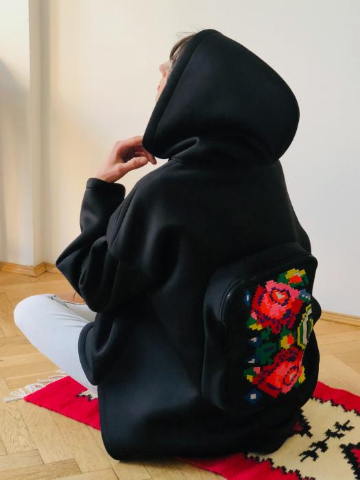 Gabriela Atanasiu - Hanorac cu rucsac [0]