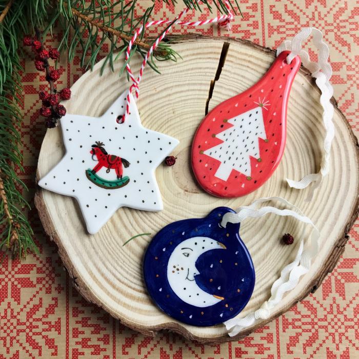 Gruni - ornament albastru brad semilună 1