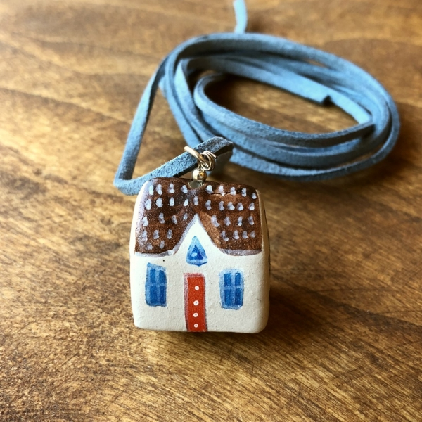 Căsuță cu șnur pictată manual Little Houses model 3 3