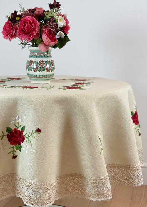 Față de masă rotundă - 1.7 m flori roșii mari 1