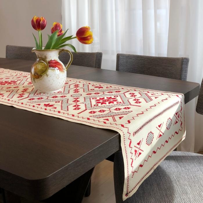 Șervet de masă - 0.5x1.5 m broderie roșie 2
