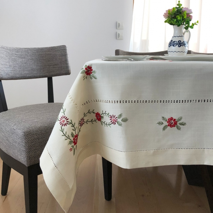 Tablecloth - 2.2x1.7 m Red Flowers 3