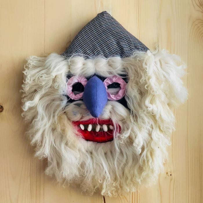 Mască decorativă tradițională model 2 [0]