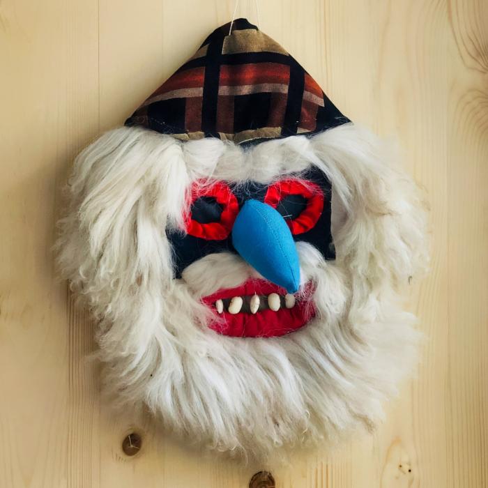 Mască decorativă tradițională model 3 0