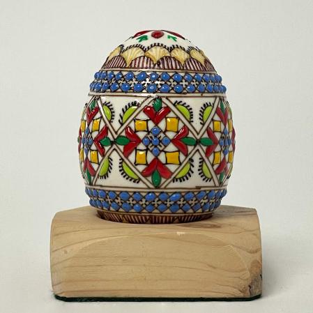 Ou încondeiat model 180