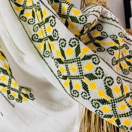Ie mânecă lungă motiv Coarnele Berbecului galben-verde1