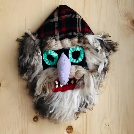 Mască decorativă tradițională model 50