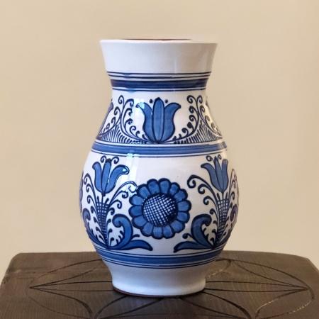 Vază alb-albastră model 10