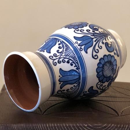 Vază alb-albastră model 11