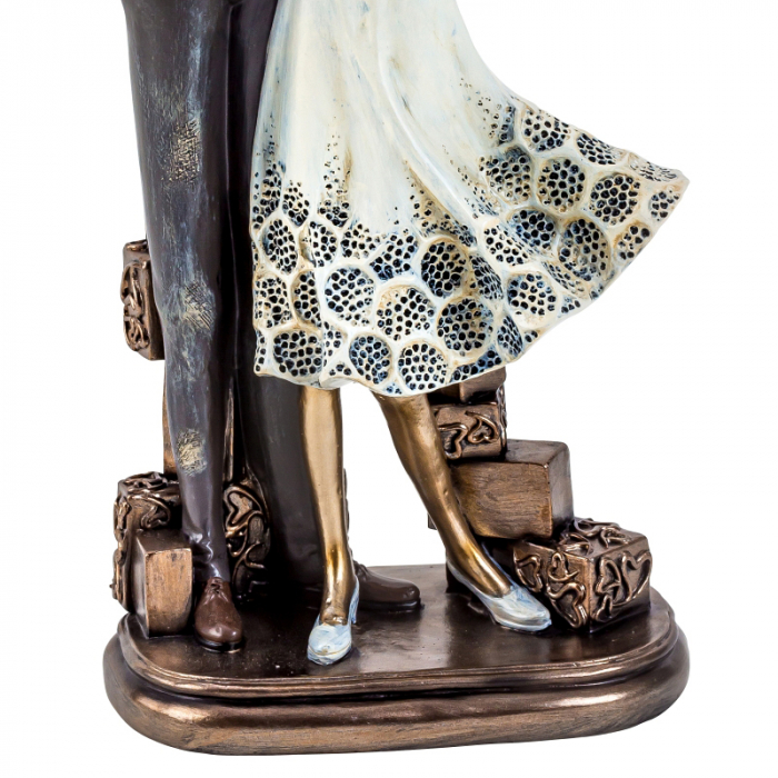 Decoratiune ceramica, model cuplu cu bebelus  33cm x15 cm [3]