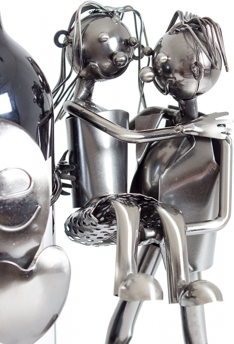 Suport din Metal pentru Sticla de Vin, model Cuplu de Indragostiti, cu Inimii Love, Argintiu/Negru, capacitate 1 Sticla, H 24cm, L19 cm 1