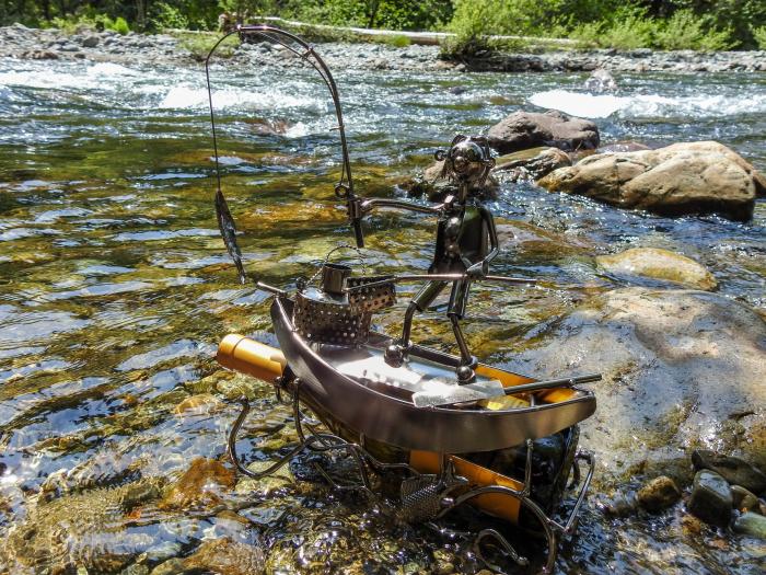 Suport pentru Sticla de Vin, model Pescar cu Barca, Metal Lucios, 39cm l29cm 7