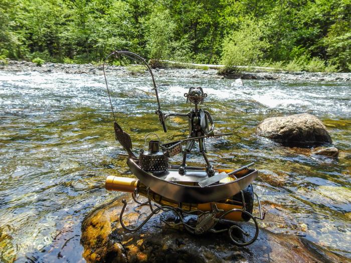 Suport pentru Sticla de Vin, model Pescar cu Barca, Metal Lucios, 39cm l29cm 8