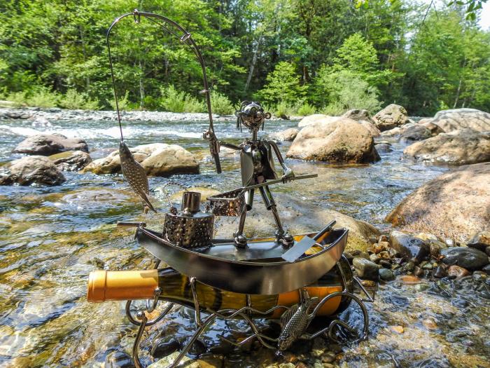 Suport pentru Sticla de Vin, model Pescar cu Barca, Metal Lucios, 39cm l29cm 6