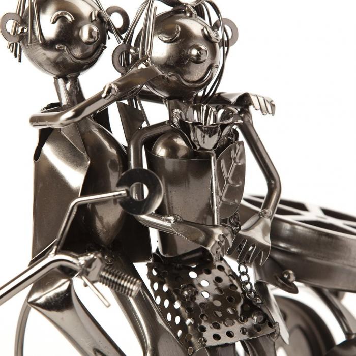 Suport sticla Vin din metal, model Cuplu pe Motor, Argintiu, 20cm x 37cm 5
